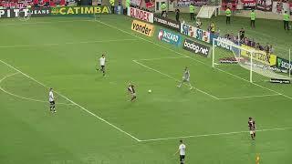 Flamengo rouba a saída de bola mas comete toque de mão