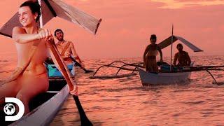 Abandonam o barco para nadar no mar desconhecido | Largados e Pelados | Discovery Brasil